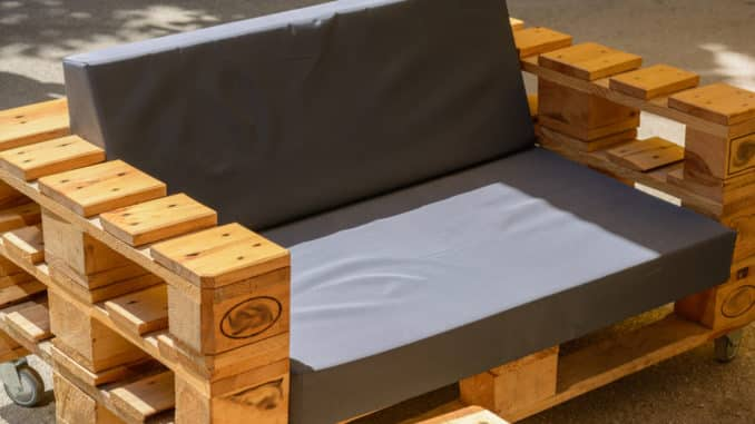 Palettenmöbel selbst gebaut